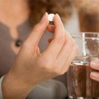 """Uống thuốc tránh thai trước hay sau khi """"yêu"""" mới hiệu quả"""